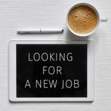 Smsa att söka efter ett nytt jobb i en minnestavla arkivbild