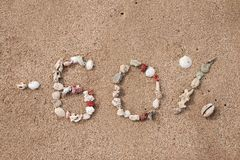 Smsa 60 procent på sand som göras från skal Royaltyfria Foton