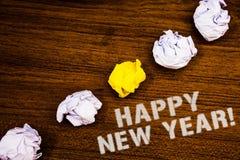 Smsa tecknet som visar Motivational appell för lyckligt nytt år Begreppsmässig fotohälsning som firar ord för begrepp för idéer f arkivfoto