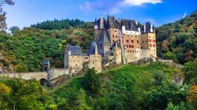 Småstad Eltz - en av de mest härliga slottarna av Europa germany Royaltyfri Bild