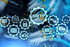 Smtp - protocole de transfert de courrier de serveur Protocole d'IP de TCP envoyant et recevant l'email Simple Mail Transfer Prot photographie stock