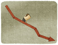 Smucenie biznesmen iść w dół w wykresie Fotografia Royalty Free