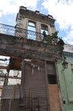 Smula byggnad i havana Kuba royaltyfria bilder