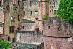 Smula stenväggar av den Heidelberg slotten arkivbilder