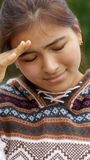 Smutna Zaakcentowana Latynoska dziewczyna zdjęcie stock