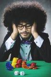 Smutny Afro mężczyzna po uprawiać hazard obraz stock