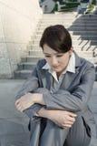 Smutny biznesowej kobiety odczucie bezradny Zdjęcia Royalty Free