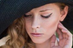 smutny dziewczyna kapelusz Zdjęcie Stock