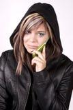 smutny dziewczyna wyrażeniowy telefon fotografia stock