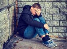 Smutny nastolatek Plenerowy zdjęcia royalty free