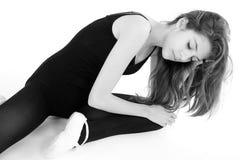 Smutny nastolatka tancerz z silną migreną zdjęcia royalty free