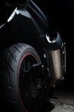 Smuts på avgasrör av att turnera motorcykeln fotografering för bildbyråer