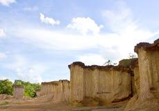 Smutsa kolonner i nationalpark Arkivbild