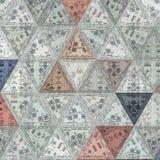 Smutsig målat glasstriangelmodell i pastellfärgade färger royaltyfri illustrationer