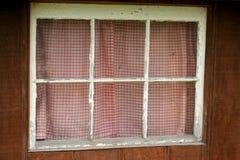 smutsiga gammala fönster royaltyfri bild