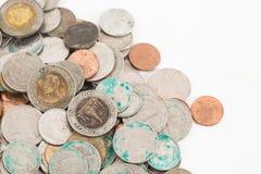 Smutsiga thai mynt royaltyfri bild