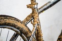 smutsigt berg för cykel Royaltyfri Bild