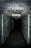 smutsigt förlorat spöklikt för korridor Arkivfoton