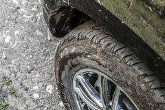 smutsigt sporthjul för aluminium bil Arkivfoto