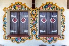 Smyckade Wood Windows Gramado Brasilien Arkivfoton