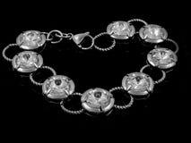 Smycken - armband - rostfritt stål Royaltyfri Foto