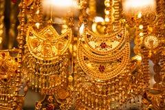 Smycken på Dubais guld- Souq Royaltyfri Foto