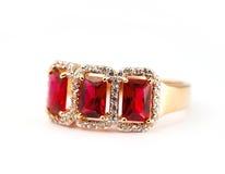 Smycken ringer med rubyen royaltyfri fotografi