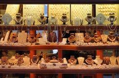 smycken shoppar royaltyfri fotografi