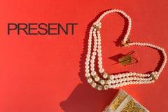 Smyckenask och pärlor Arkivfoton