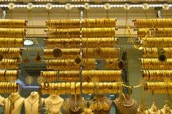 Smyckenlager i storslagen basar i Istanbul Royaltyfri Foto