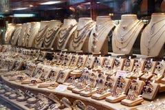 smyckenlagerfönster royaltyfri bild