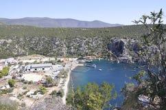 Snäckskal brukar för att odla i det Aegean havet i Grekland arkivbild