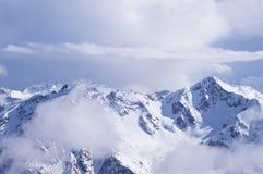 Snö-korkade bergmaxima Royaltyfria Foton