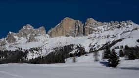 Snö når en höjdpunkt och fördunklar Royaltyfri Bild