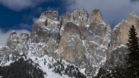 Snö når en höjdpunkt och fördunklar Arkivbild