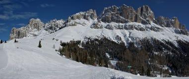 Snö når en höjdpunkt och fördunklar Royaltyfria Foton