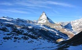 Snö och berget i vinter Arkivbild