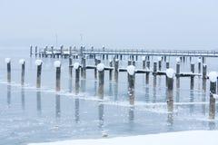Snö, is och djupfryst pir Royaltyfri Foto