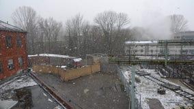 Snö och fabrik Arkivbilder
