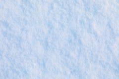 Snö- och iskristallbakgrund eller textur av ryss parkerar av skog arkivfoto