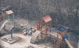 snö på lekplatsen Royaltyfri Fotografi