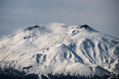 Snö på Mount Etna, Sicilien Royaltyfri Foto