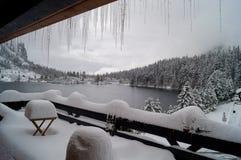 Snö-täckt balkong Narodny Tatransky parkerar tatry vysoke slovakia royaltyfria foton