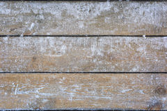 Snö-täckt träbakgrund, textur, fryst trä arkivbilder