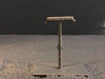 Snö vid havet på natten Fotografering för Bildbyråer