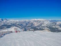 Snöa landskapet på Mammoth Mountain i Kalifornien, USA Arkivfoto