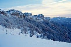 Snöade berg av Nivolet nära Chambery, Frankrike royaltyfri bild