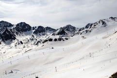 Snöade berg i Pyreneesna Royaltyfri Foto