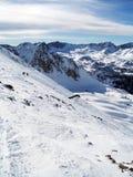 Snöade berg i Pyreneesna av Andorra Arkivfoton