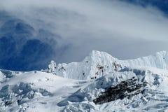 Snöberg i Huascaran, Peru Arkivbild